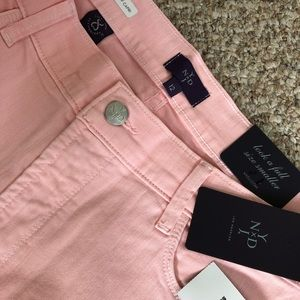 Peach cropped Capri